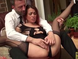 Cuckold brit wife gets pussyfingered