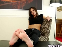 Solo tgirl showing off her feet