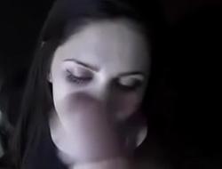 mi novia chupando mi verga