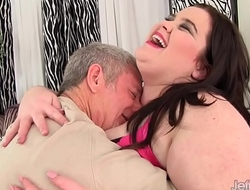 Big boobed plumper Holly Jayde fucked good