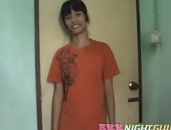 タイピンク 21 yo Boom from Bangkok Chinatown - 500 baht Part 1 BKKNightguide.com