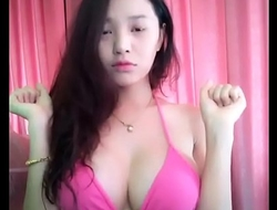 khoe h&agrave_ng khủng